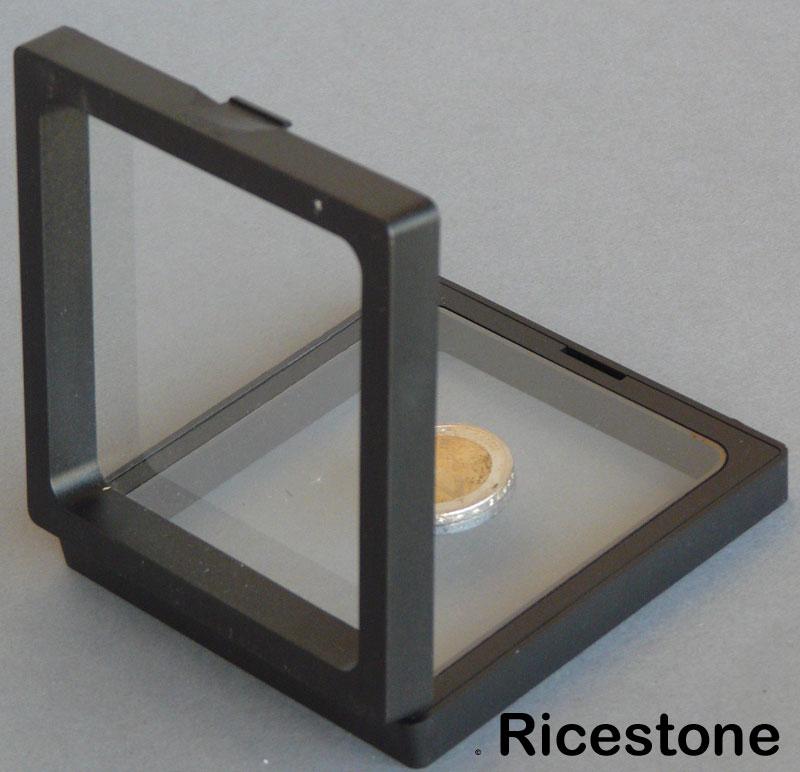 cadre de collection pour pr sentation d 39 objet multiforme 9x9 cm. Black Bedroom Furniture Sets. Home Design Ideas