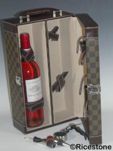 mallette de sommelier valisette pour le vin coffret cadeau d nologie pour deux bouteilles. Black Bedroom Furniture Sets. Home Design Ideas