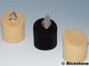 pr sentoir en feutrine pour bague mat riel de bijouterie joaillerie plba. Black Bedroom Furniture Sets. Home Design Ideas